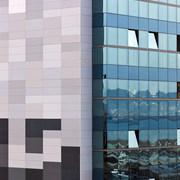 """Rehabilitación de fachadas mediante sistema Fachada Ventilada y Muro Cortina. Edificio """"Rey Pelayo"""""""