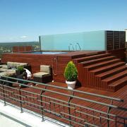 Instalación de tarima de IPE en terraza de la Torre Madrid de Planta 15