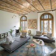 Salón con bóveda catalana