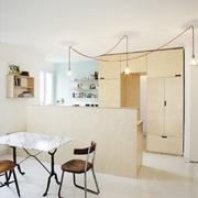 Salón sencillo y minimalista