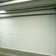 Sustitución puerta garaje preleva por persiana lacada motorizada