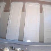 Distribuidores Procolor - pintado de puertas con esmaltelaca poliuretano