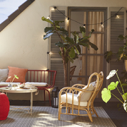 Terraza exterior con sofás y sillones, IKEA verano 2020