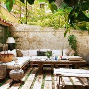 Terraza hecha con palés
