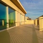 Reforma de terraza con microcemento en Porto