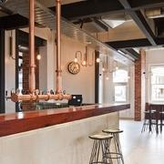 tuberías cobre en un bar