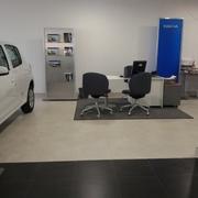 Reforma concesionario Renault Igualada.