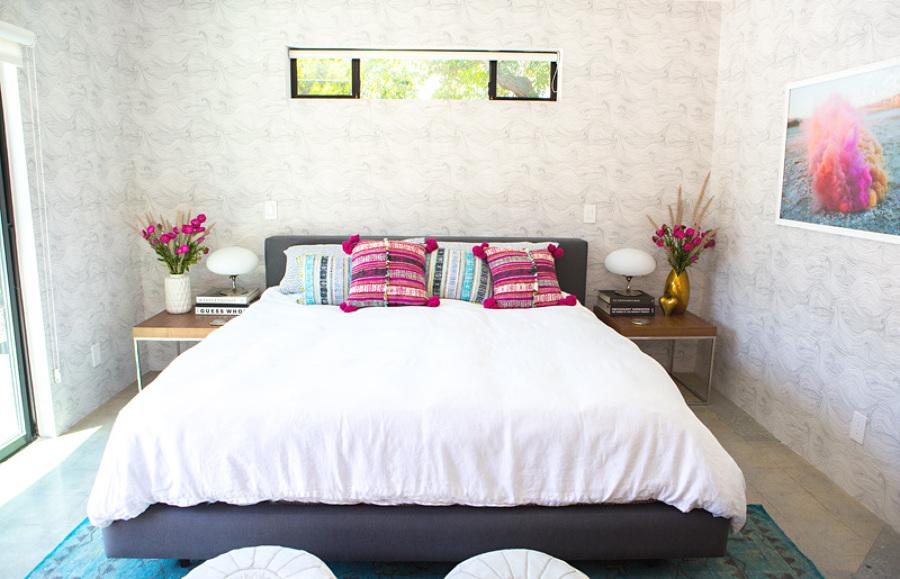 dormitorio gris y malva