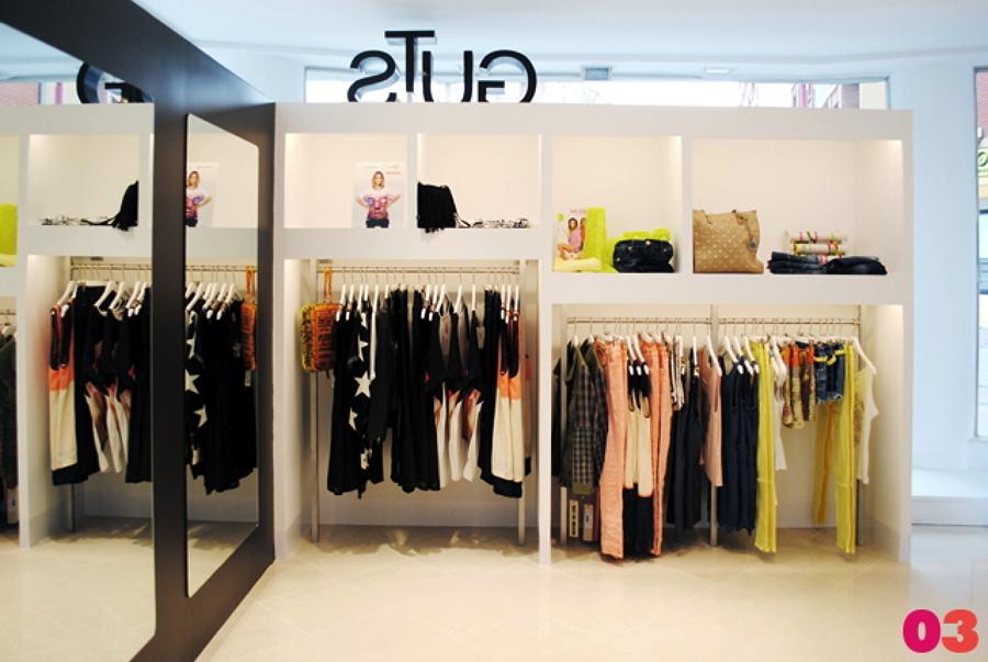 Reforma de local comercial para tienda de moda ideas for Articulos decoracion modernos