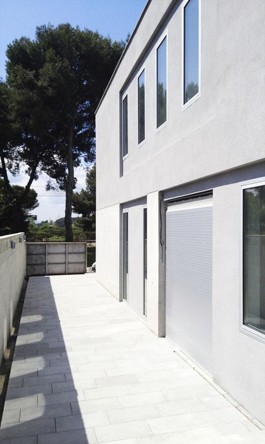 08023-Arquitectos-Fachada-Ventanas1