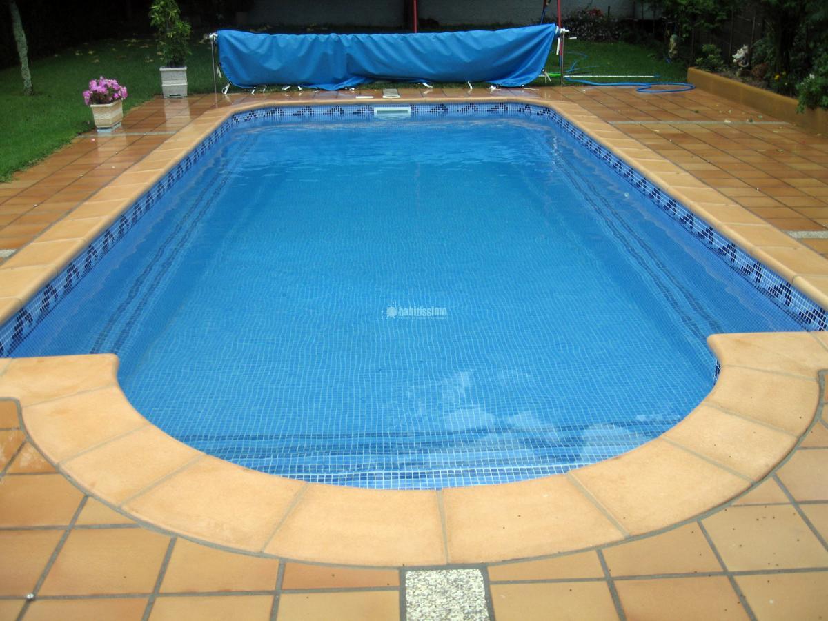 Rehabilitaci n de piscina de poli ster con gresite ideas for Gresite para piscinas
