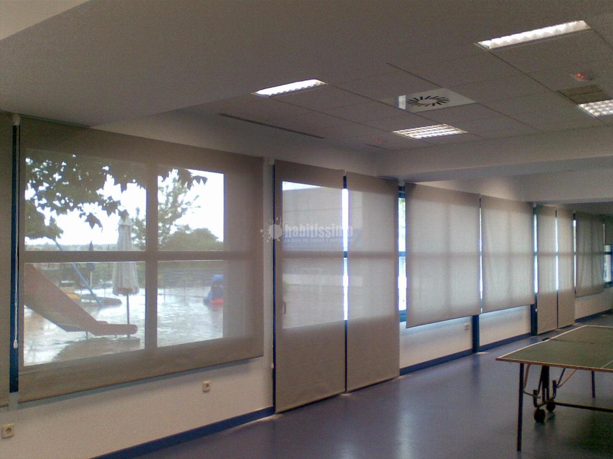 Foto instalacion estores y cortinas en fundacion bobath - Sistemas de cortinas y estores ...