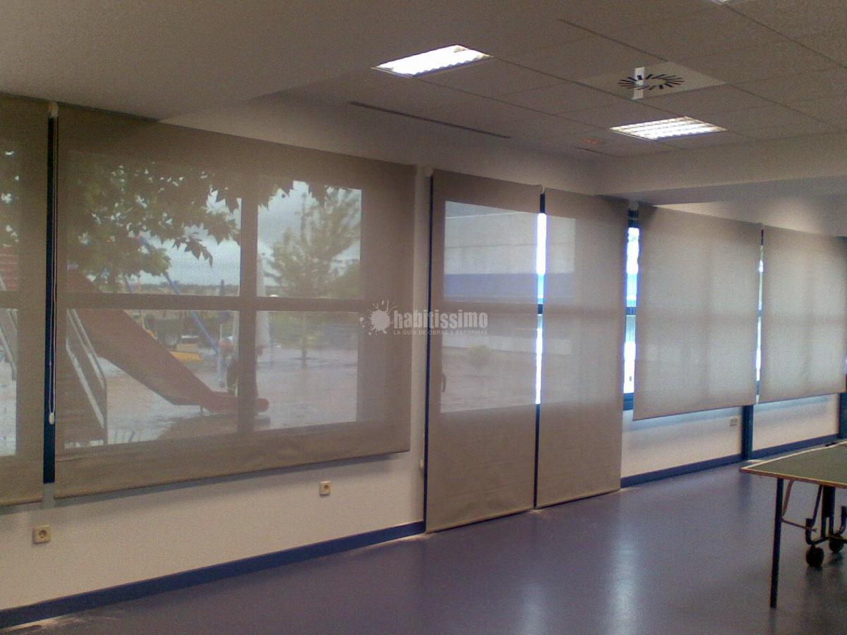 Instalacion estores y cortinas en Fundacion BOBATH