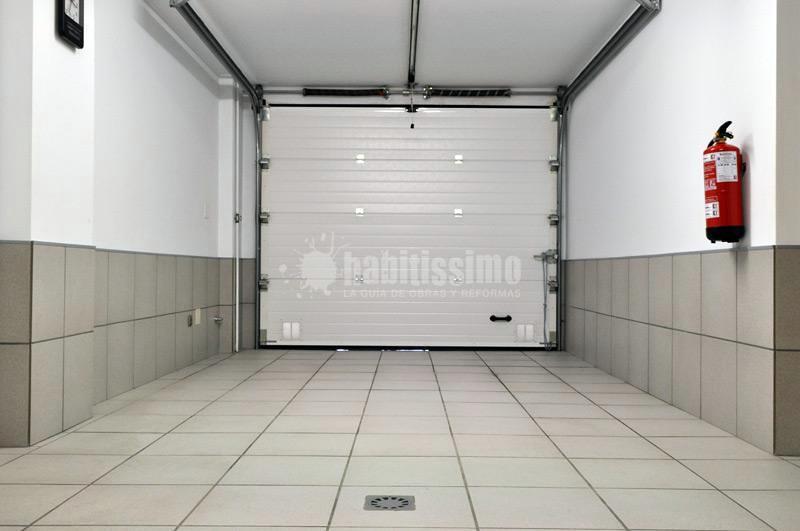 Garaje orcoyen ideas reformas naves industriales - Proyecto puerta de garaje ...