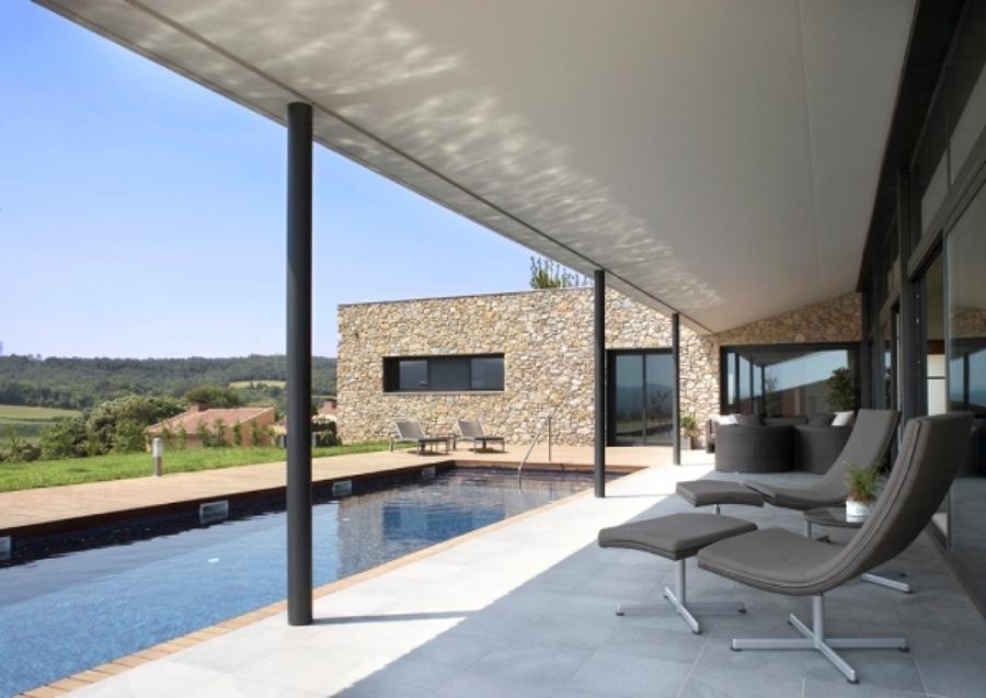 Foto piscina modera y minimalista 814724 habitissimo for Casa minimalista tarragona