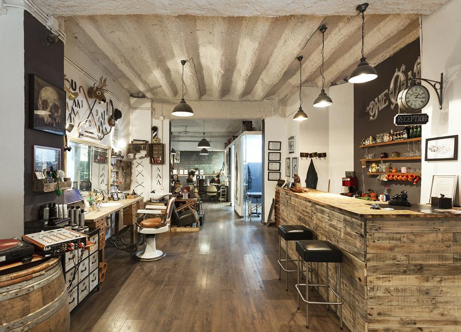 Todo en uno una galer a de arte una peluquer a y un - Ideas para decorar una peluqueria ...