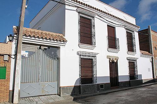Foto vivienda unifamiliar entremedianeras de novaurbania - Arquitectos de sevilla ...