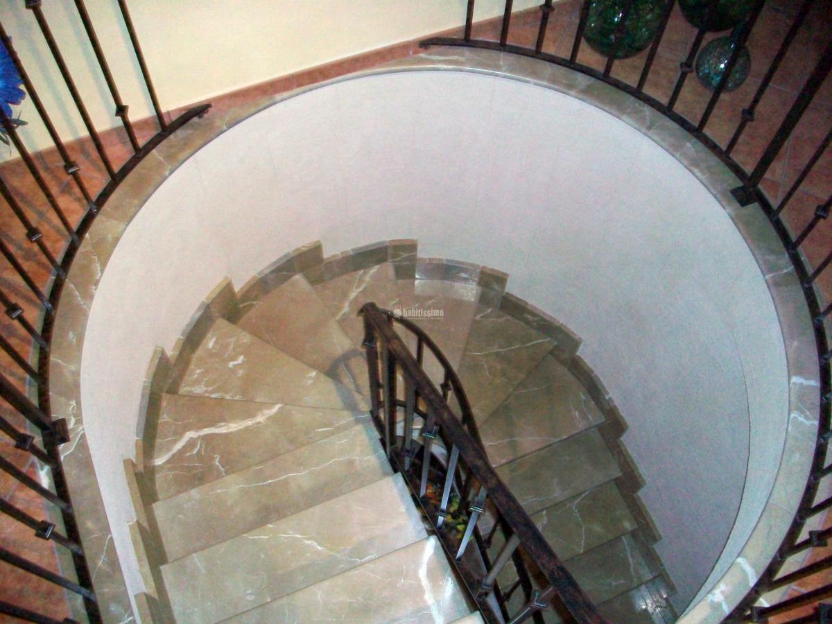 Realización de escalera de caracol