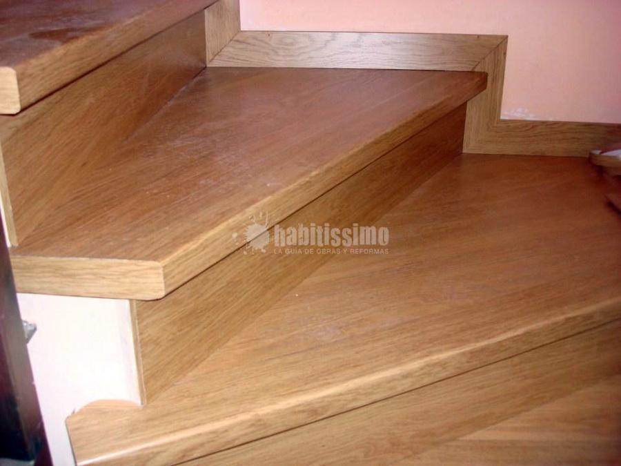 Forrado de escalera con laminado de quick step ideas for Ideas para forrar escaleras