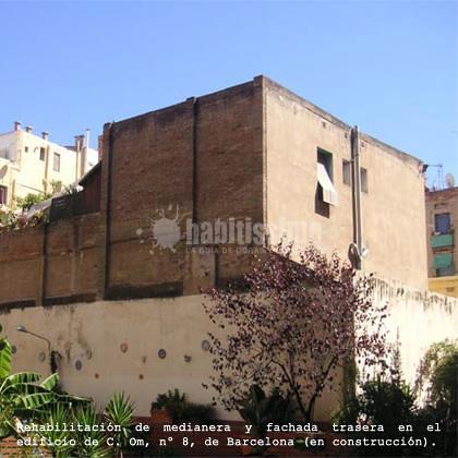 Rehabilitación de fachada y medianera en la calle Om de Barcelona