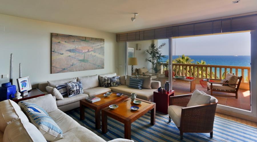 salón con vistas al mar