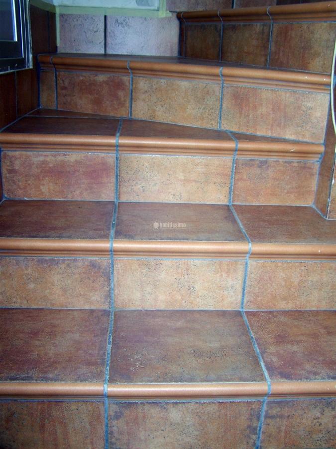 Revestimiento escalera ideas alba iles - Revestimiento para escaleras ...