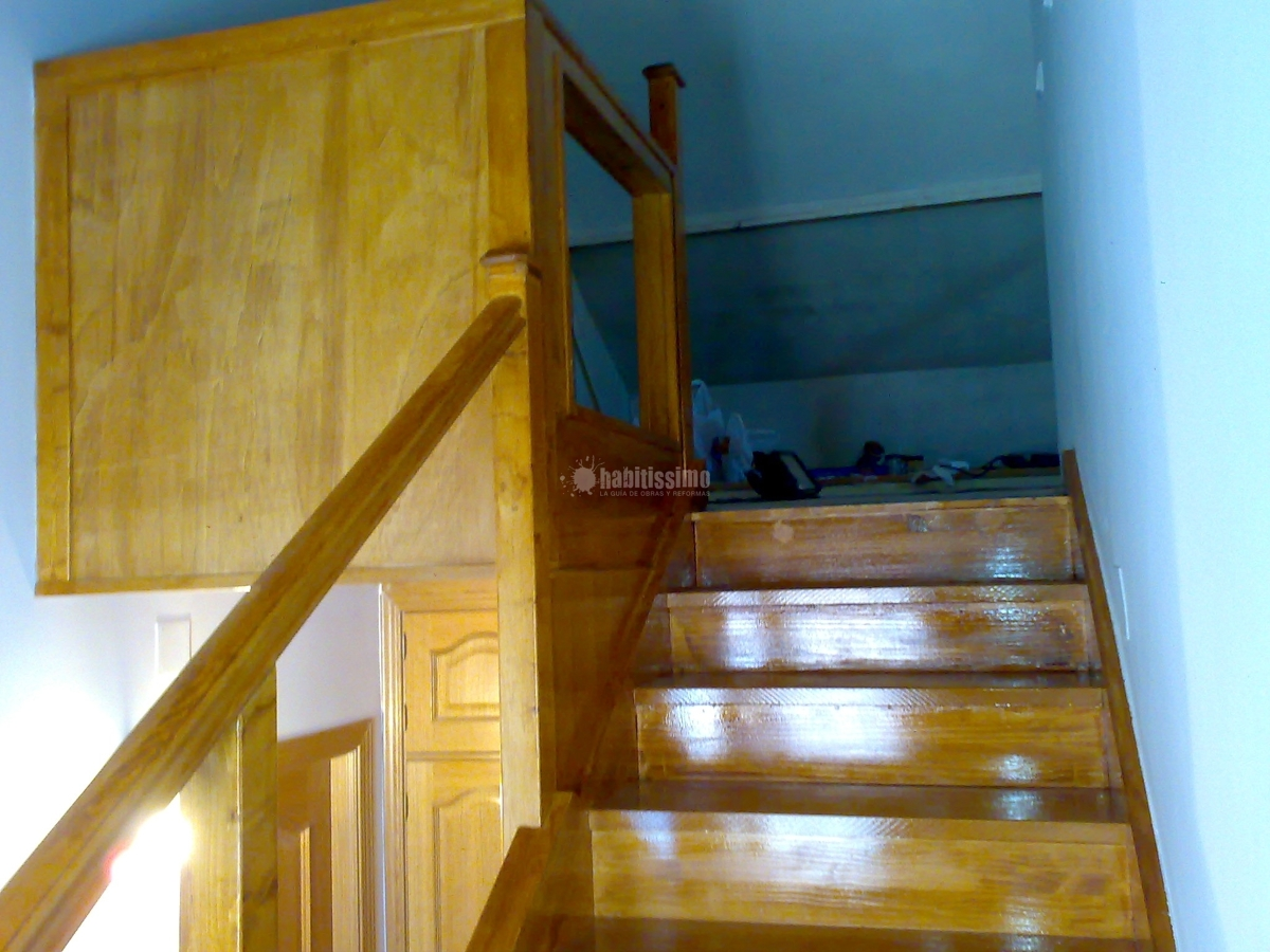 Ampliaci n buhardilla e instalaci n de escalera de madera - Escaleras para buhardilla ...