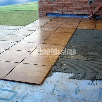 Colocaci n de suelo en terraza ideas impermeabilizaciones for Ideas suelo terraza