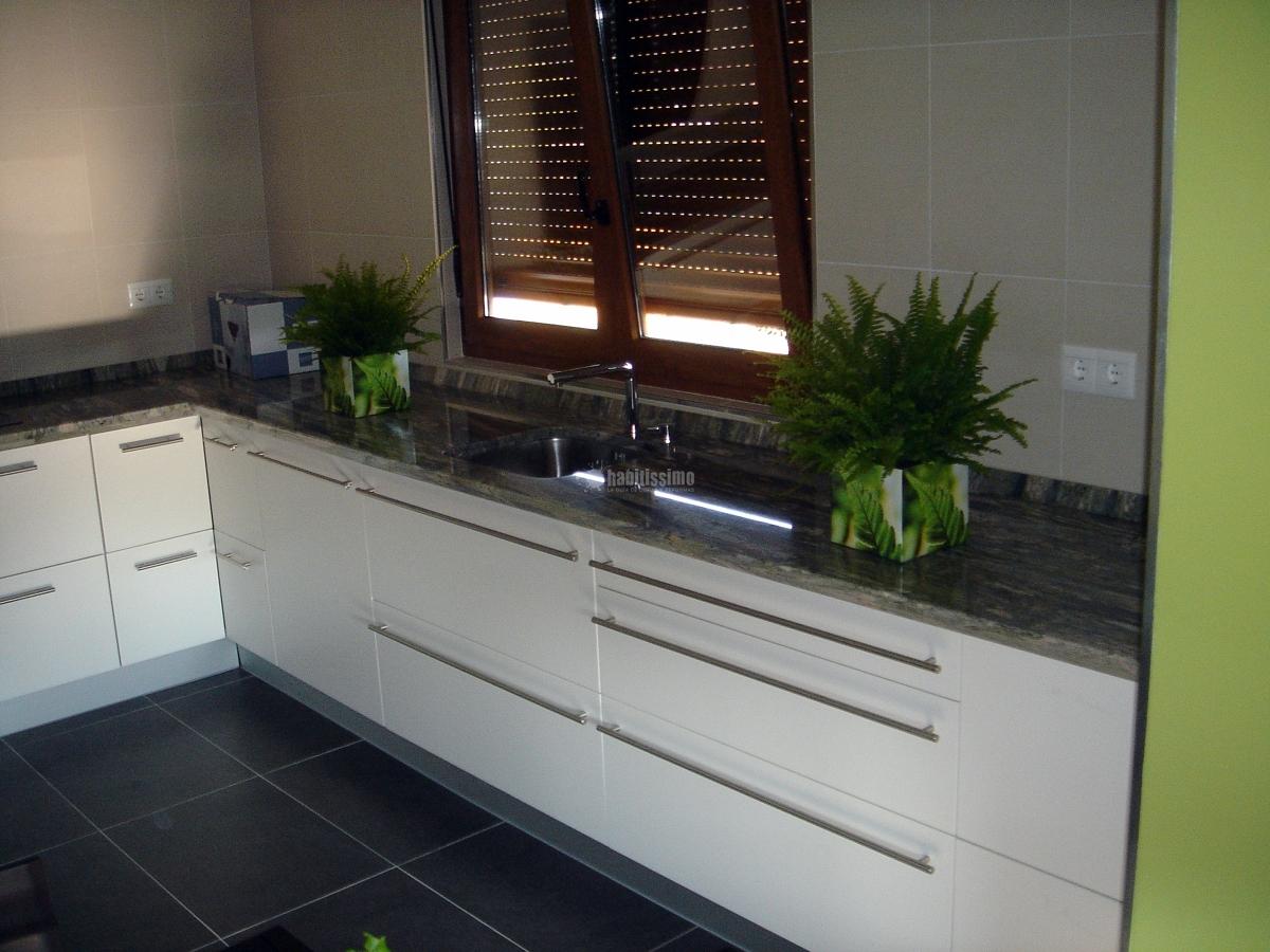 Foto amueblamiento cocina y ba os de cocinas ricardo for Amueblamiento de cocinas