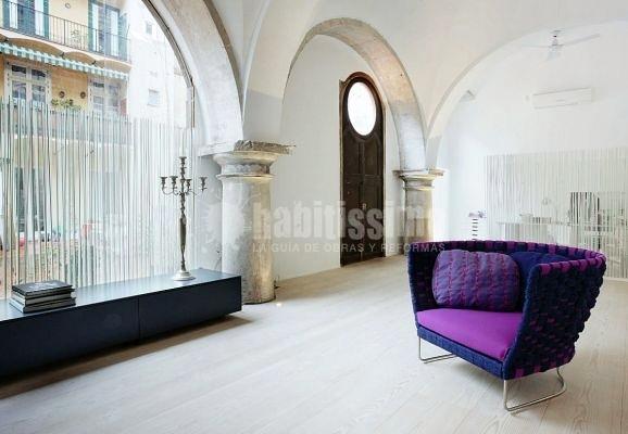 Rehabilitar una casa con un antiguo claustro. Barcelona
