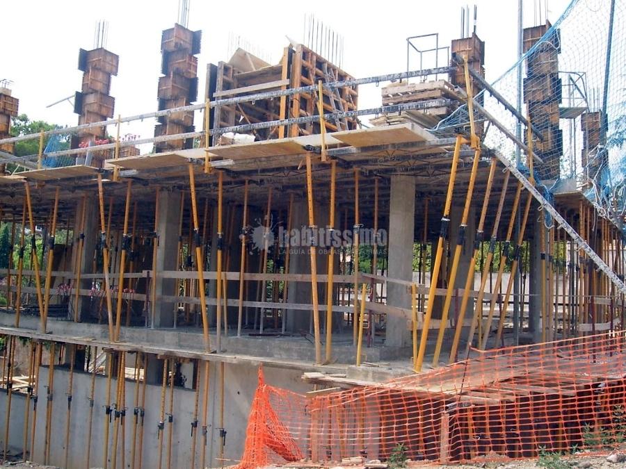 Derribo y Construcción Vivienda Unifamiliar Aislada