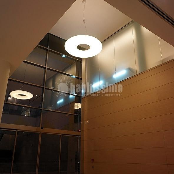 Foto: Oficinas Distribución y Comercialización de Muebles ...