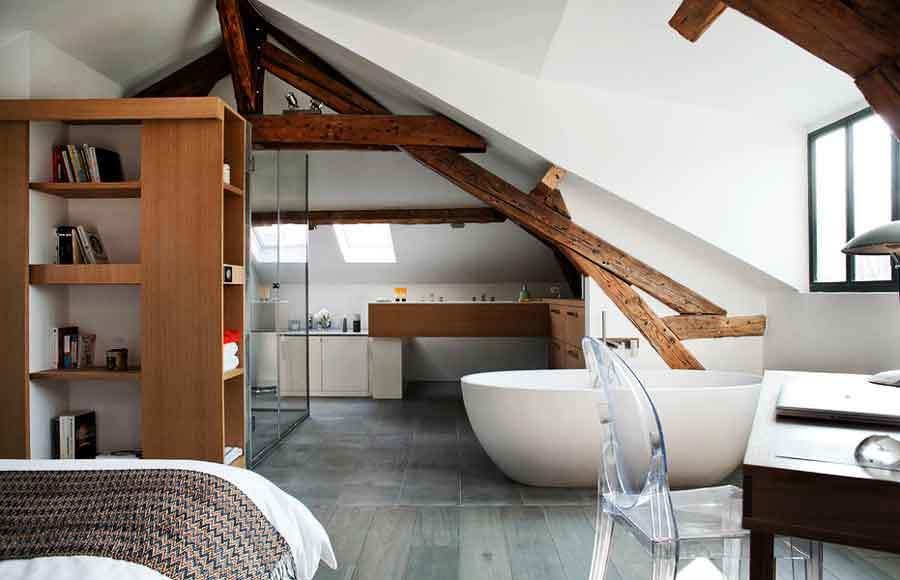 Ideas Baños Abuhardillados: Reformas para Convertir Tu Dormitorio en una Suite