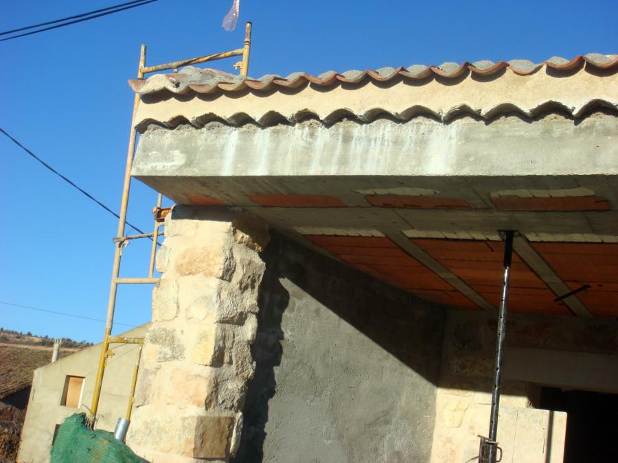 Foto 2008 construccion de vivienda detalle de tejado for Tejados de madera construccion