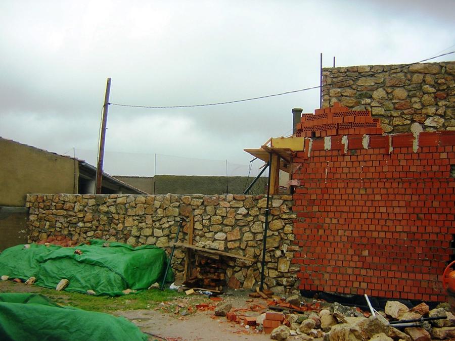 2008 Vivienda en piedra.