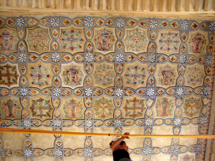 2009: Pintura Mural para techos del Palacio Las Dueñas de Sevilla, para la Duquesa de Alba.