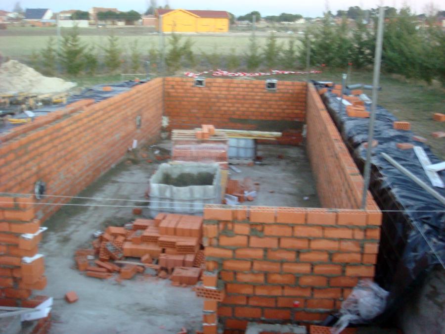 Foto 2012 fabrica de ladrillo en proceso de santiago for Como construir una piscina de ladrillos