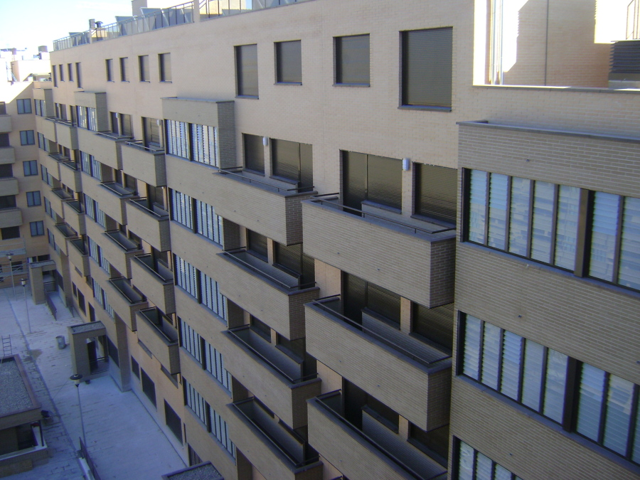 204 vppb garaje trasteros y piscina en parcela16 for Piscina rivas