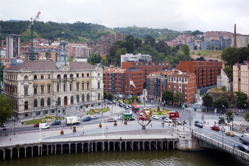 211 viviendas en Plaza del Gas Bilbao 06