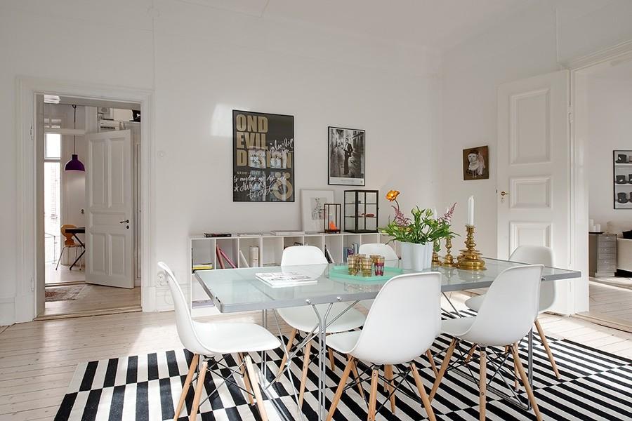 Foto mesa cristal sillas eames de boho chic 903990 for Sillas para una mesa de cristal