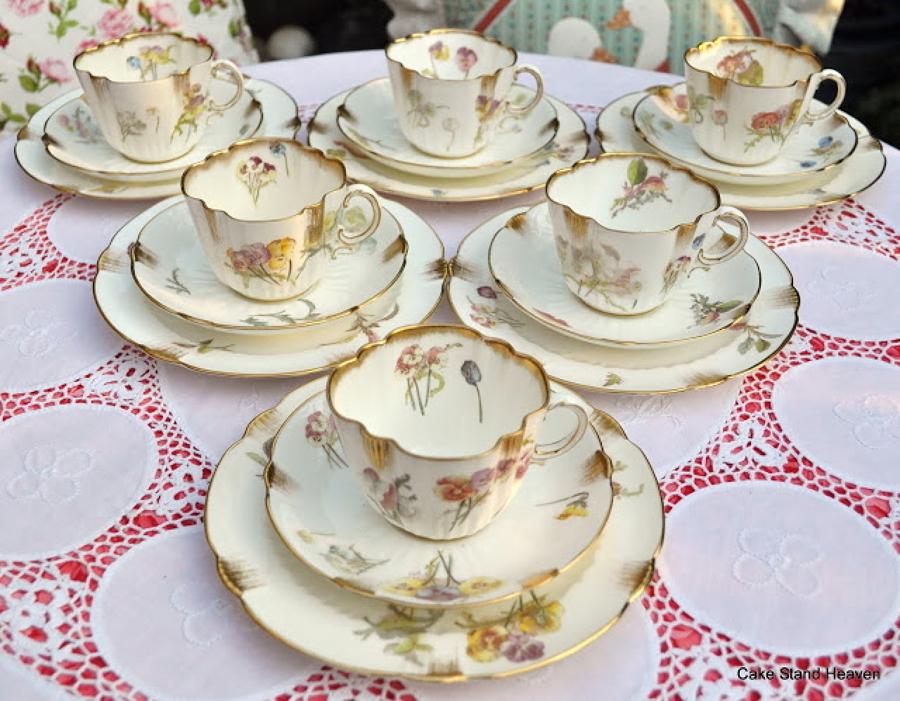 C mo limpiar y cuidar la vajilla de porcelana antigua for Vajillas elegantes