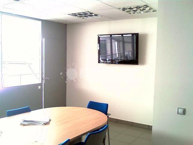 Habilitación  Nave Industrial para taller Mecánico de Chapa y pintura  y habilitación de altillo para oficinas en Polígono Industrial de Quart de Poblet (Valencia)