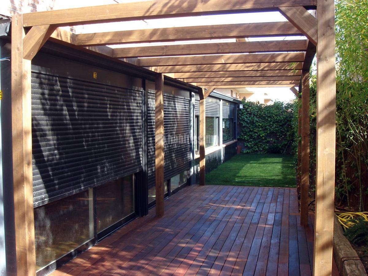 Decoraci n de jard n en piso bajo ideas jardineros for Pisos bajos con jardin