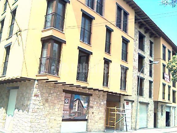 Proyecto de ejecución y legalización de instalaciones de edificio de 32 viviendas y garaje en Mora de Rubielos (Teruel)