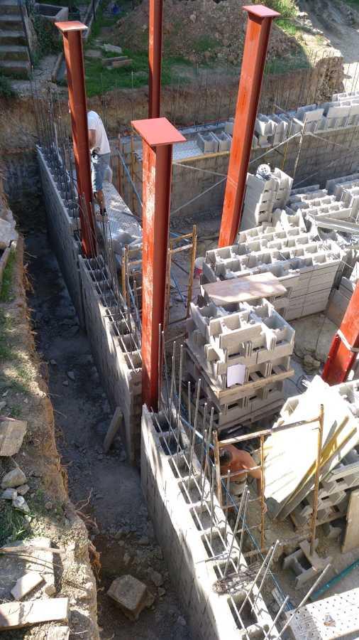 3ªFase, obra convencional en solar donde irá la casa modular