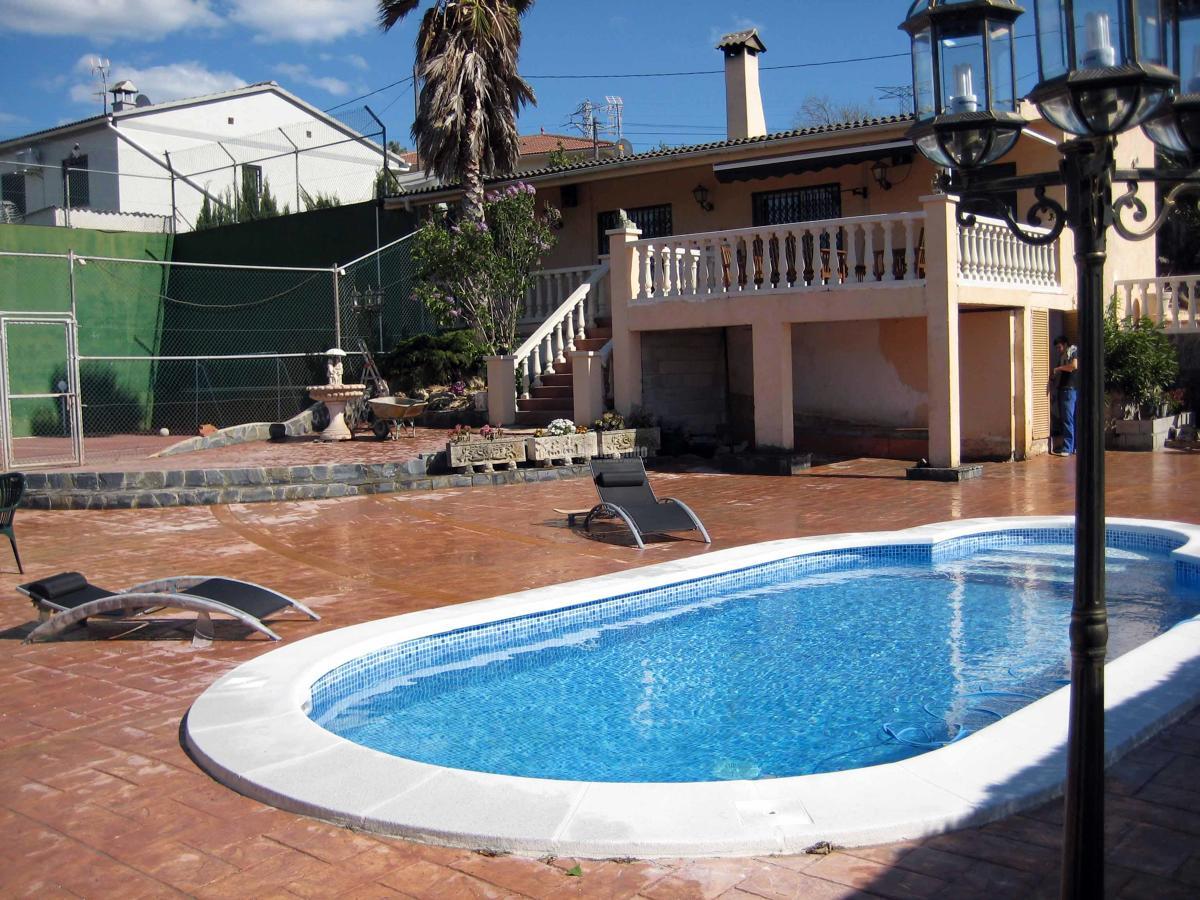 Terrazas y piscina ideas reformas viviendas for Terrazas y piscinas