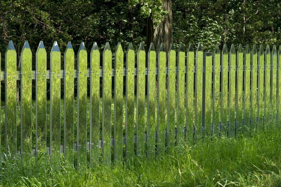 50_alyson-shotz-mirror-fence-11