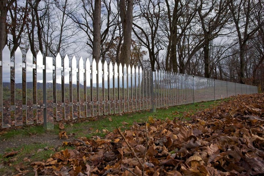 50_alyson-shotz-mirror-fence-41