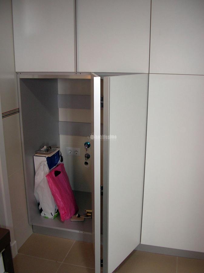 Proyecto en aguadulce con muchas columnas y mueble for Mueble para lavadora