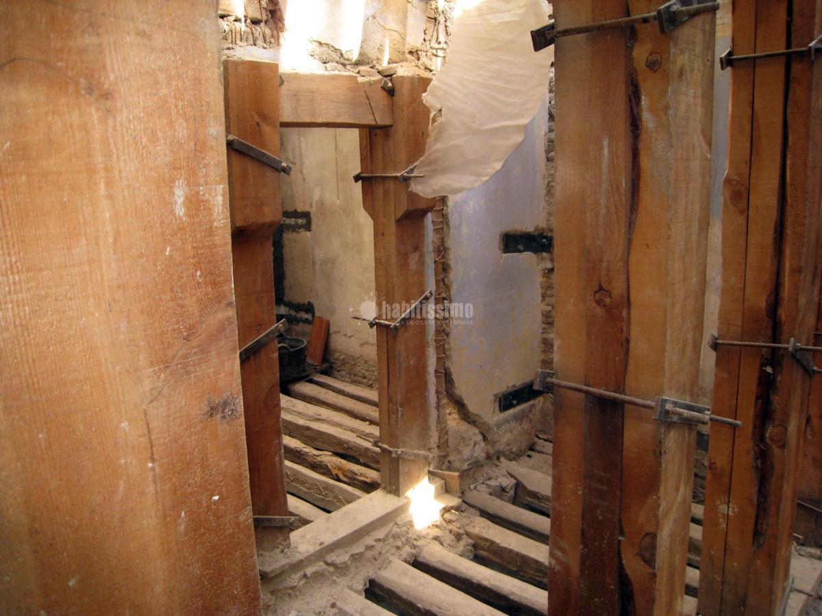 Refuerzo estructural en edificio en ruinas c/ Mayor
